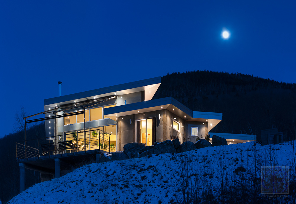 Architecture Spotlight: Full Moon Over The Warren House