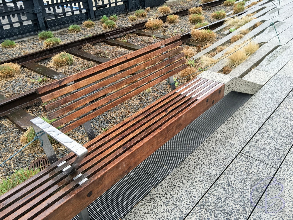 Even in the rain in March, the High Line is super!