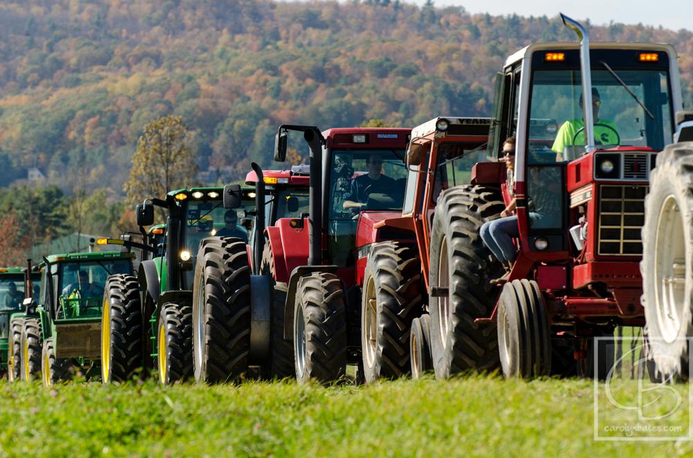 tractorparade-vermont-carolynbates CLB2734