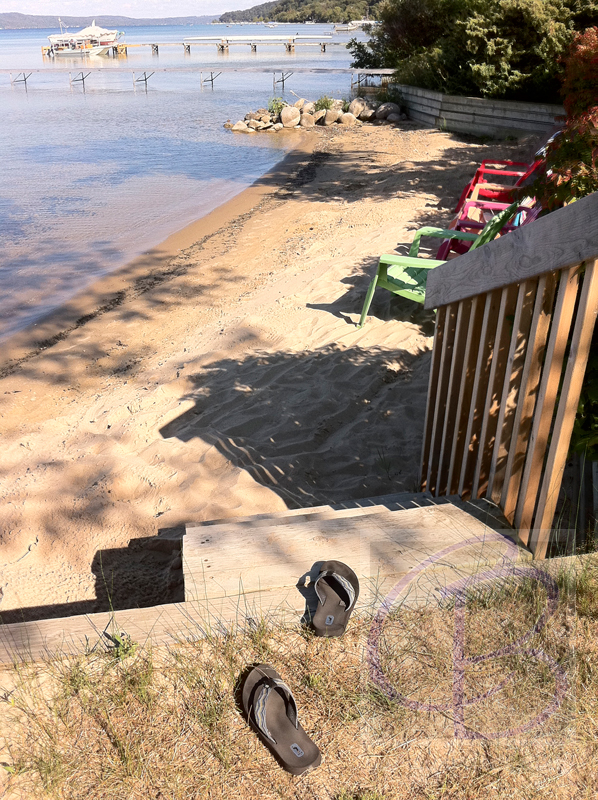 THE ULTIMATE SUMMER VACATION: BEAUTIFUL SUMMER COTTAGE FOR RENT WITH SHARED SANDY BEACH ON CRYSTAL LAKE.
