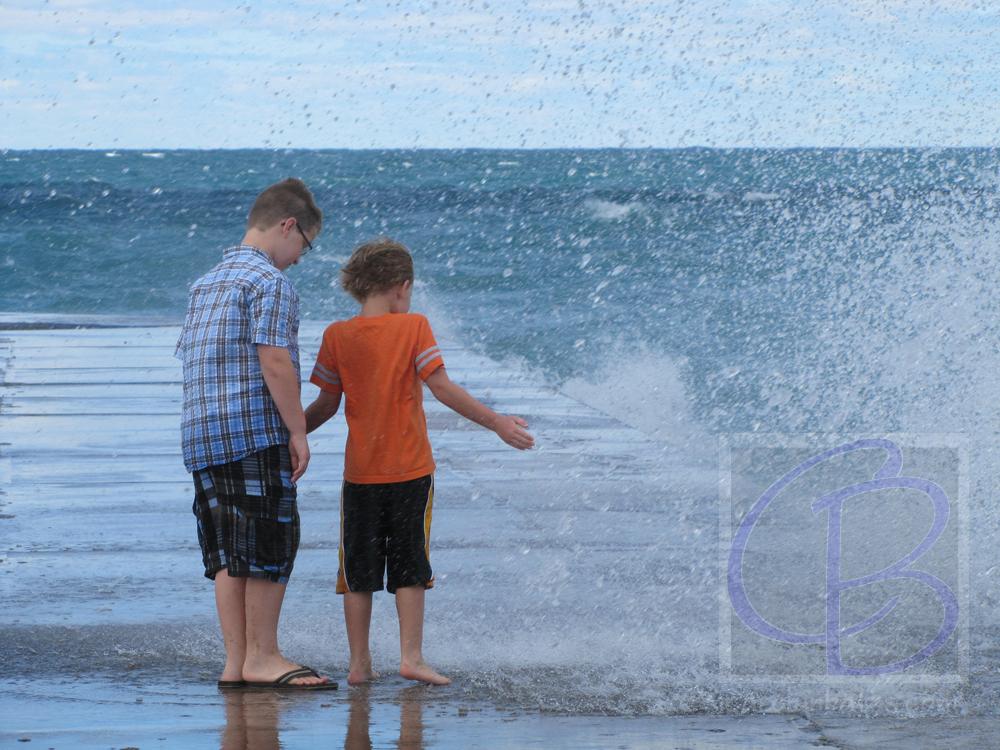 michigan-frankfort-pier-beach-027